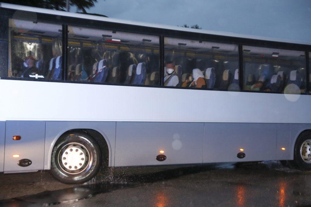 Three Belgian C-130s evacuate 248 people, first buses...