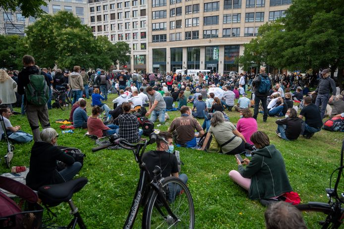 Several protesters gathered at Leipziger Platz in Berlin.  (08/28/2021)