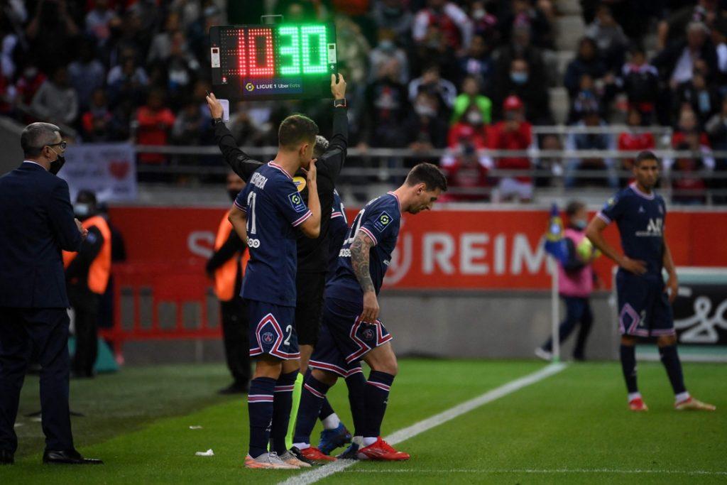 Daar is het grote debuut: Lionel Messi maakt in Reims eerste minuten vol bij PSG, Kylian Mbappé scoort tweemaal
