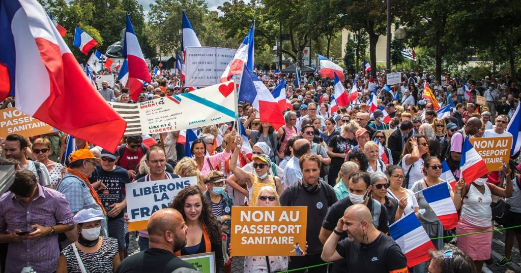 A slight decrease in the demonstrators against Corona's testimony in France compared to the end of last week abroad