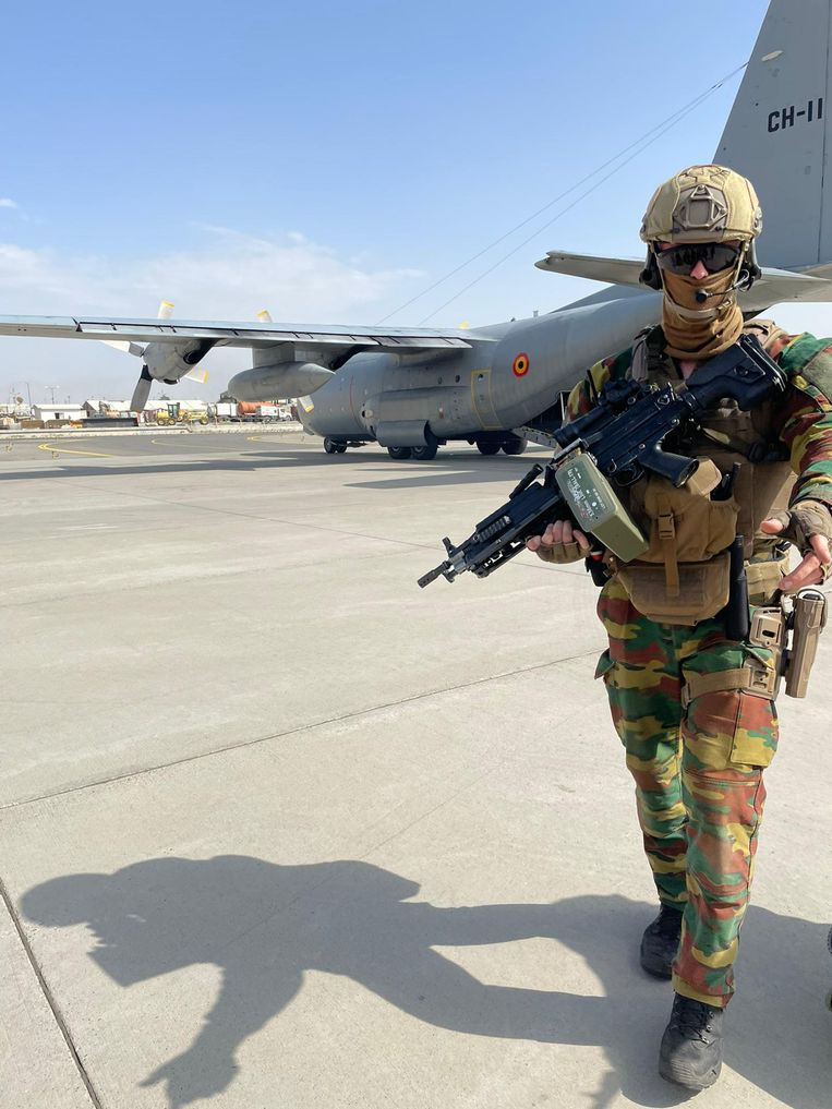 And another 17 Belgians left Kabul on a Dutch plane