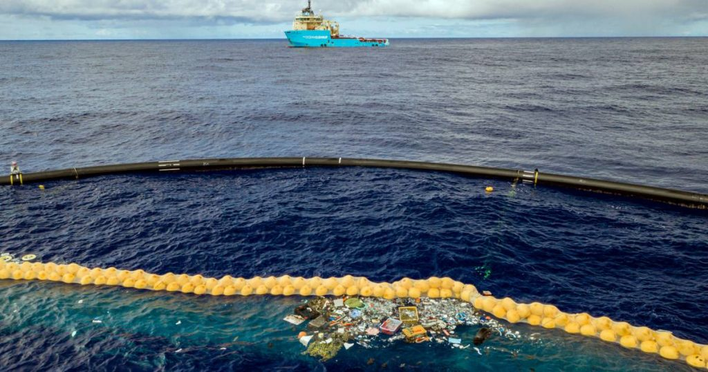 """Clean up the ocean: """"Nearly one million kilos of waste is caught from seas and rivers"""" 