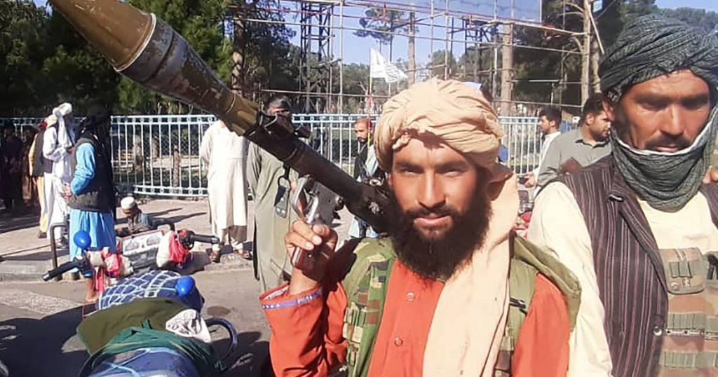 """The """"Absolute Doomsday Scenario"""" unfolds in Afghanistan: the Taliban invade the suburbs of Kabul and """"the president resigns""""    The Taliban advances in Afghanistan"""