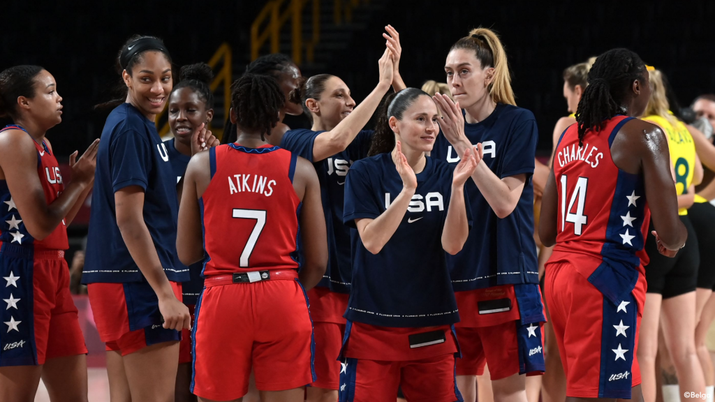 The United States and Serbia play in the first semifinal women's basket Olympics