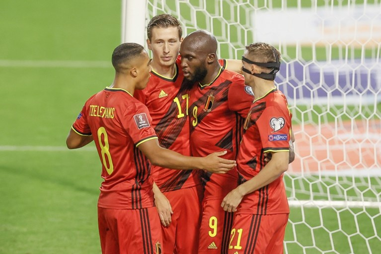 The Red Devils set aside the Czech Republic with ease, and Romelu Lukaku scored in their 100th international match