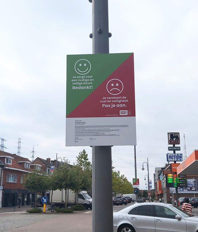 Local residents receive more information about the pilot project via signs.