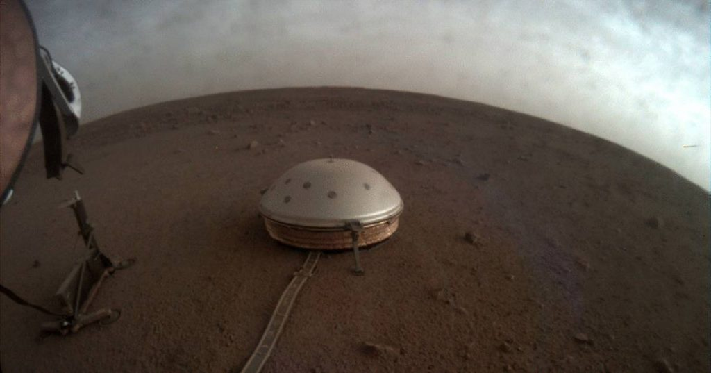 Mars probe InSight detects 3 major earthquakes on the Red Planet, including earthquakes that lasted nearly 1.5 hours    science and planet