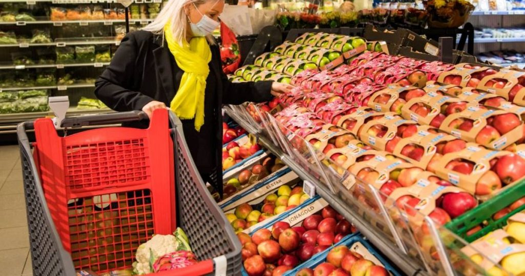 """Delhaize gives all Belgian employers and employees a 20% discount on """"healthy food""""    interior"""