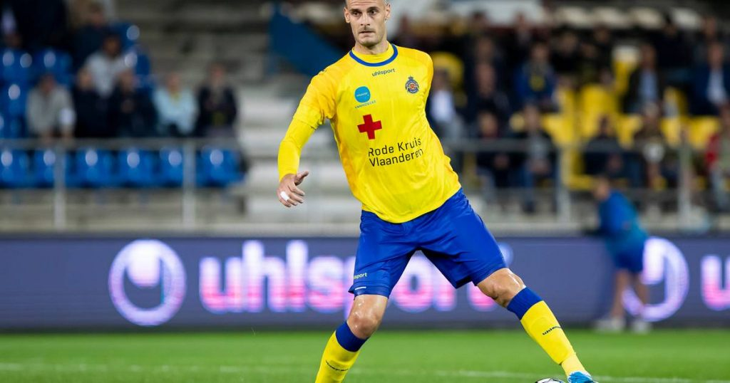 Football discussion.  Dender kicks Waasland-Beveren out of Croky Cup - Falcao returns to Spain    football