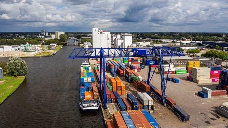 De haven van Meppel (Rechten: Port of Zwolle)