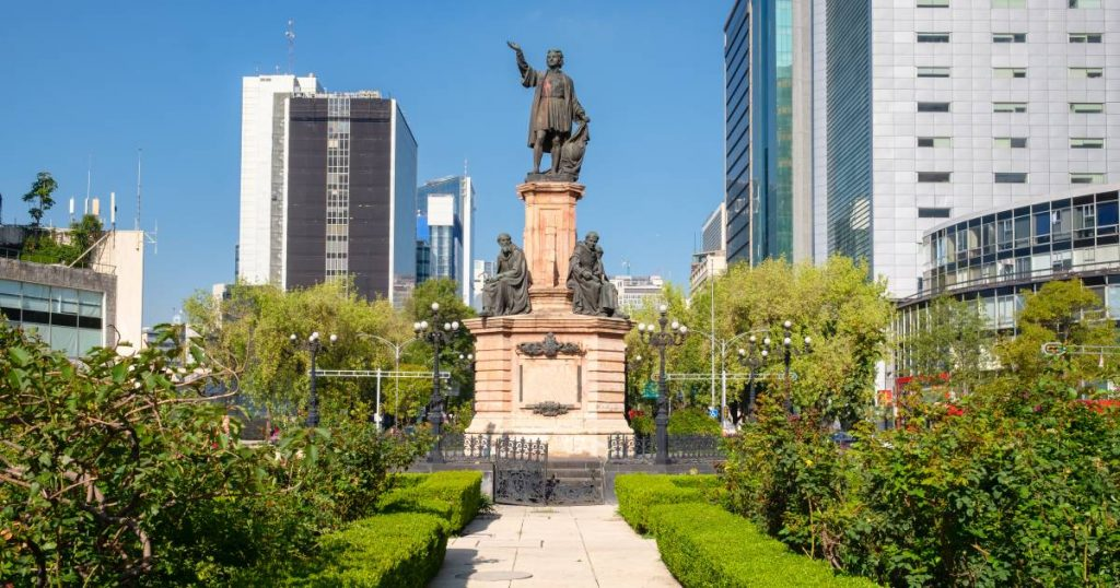 Mexico City Wants to Get Rid of Columbus Statue: 'After Him Came the Conquerors' |  Abroad