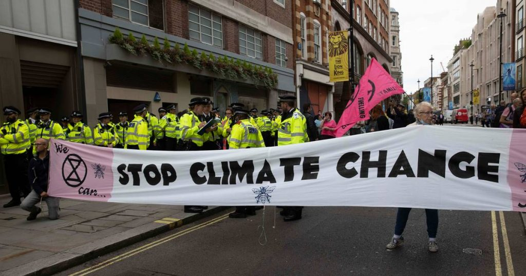 More than a thousand NGOs call for the postponement of the Glasgow Climate Summit |  Abroad