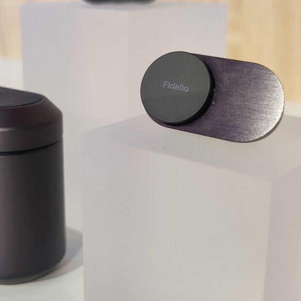 Philips Fidelio . Wireless headphones