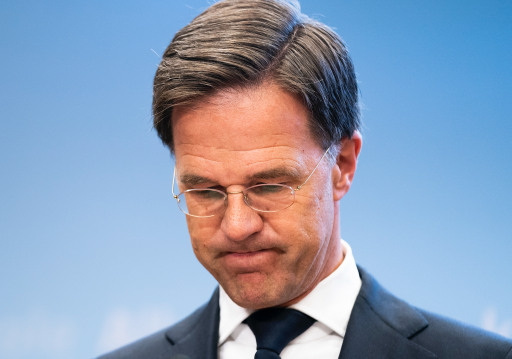 The 13 psychological tricks of Mark Root's press conference - Wel.nl