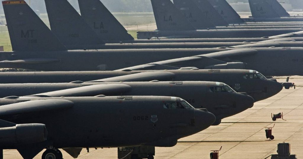 The US Air Force wants to keep the oldest B-52 bomber in service until 2050    Abroad