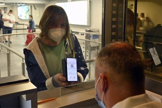 Reizigers zijn gewaarschuwd: oplichters proberen munt te slaan uit valse PLF-formulieren
