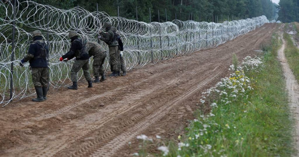 """Poland plans to build a """"barrier"""" on the border with Belarus    Abroad"""
